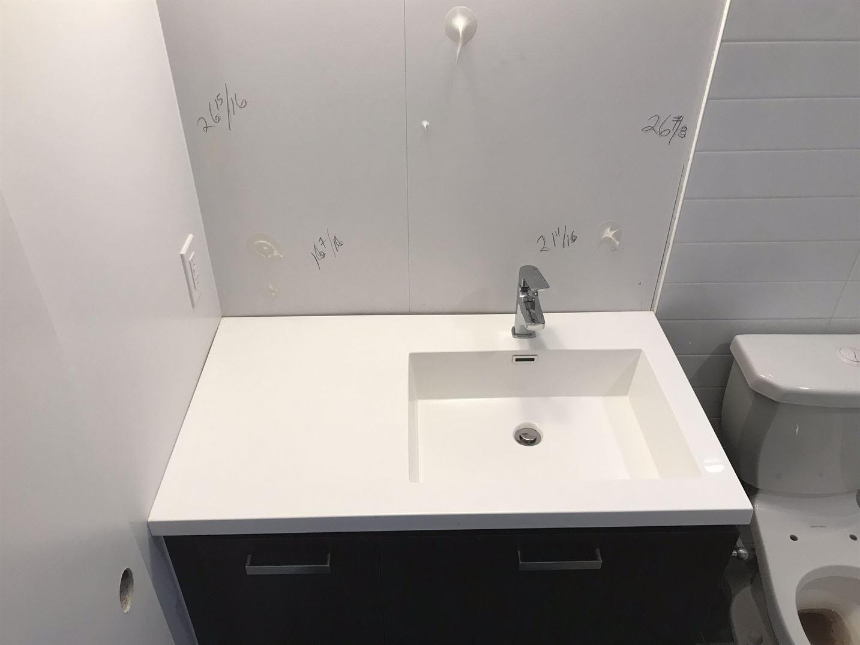 sink white